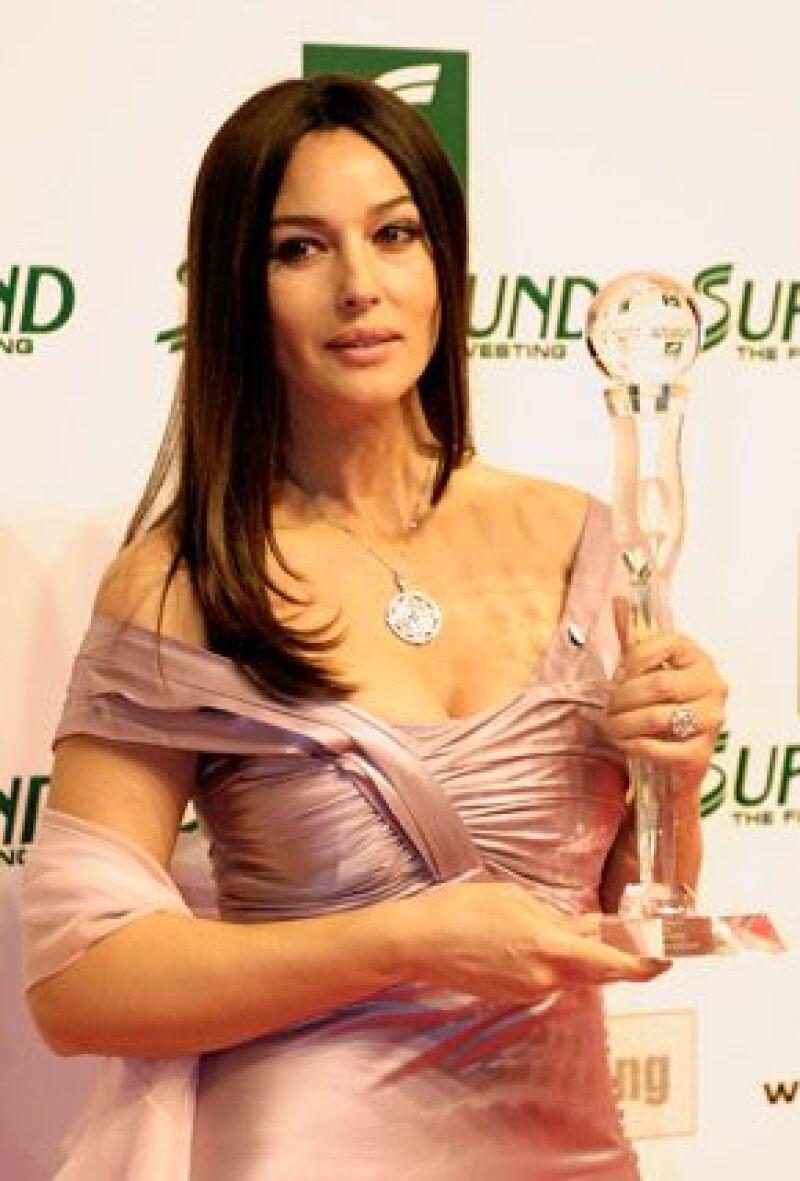 Desde 2004 existen los premios dedicados a las mujeres comprometidas a nivel mundial por los derechos de sus congéneres.