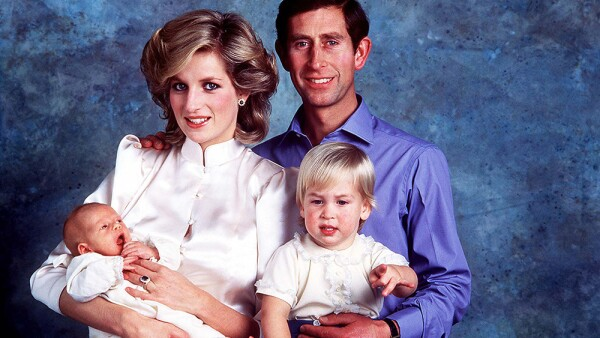 Princesa Diana, príncipe Carlos, William y Harry