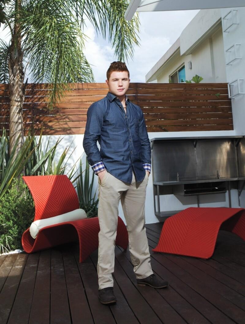 Saúl, el hombre y el padre detrás del boxeador, concedió una entrevista exclusiva a la revista Quién en su casa de Zapopan, Jalisco.