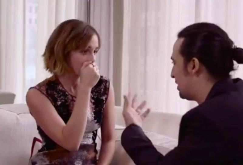 De manera divertida y con un poco de pena, la actriz mostró en una entrevista uno de sus talentos ocultos.