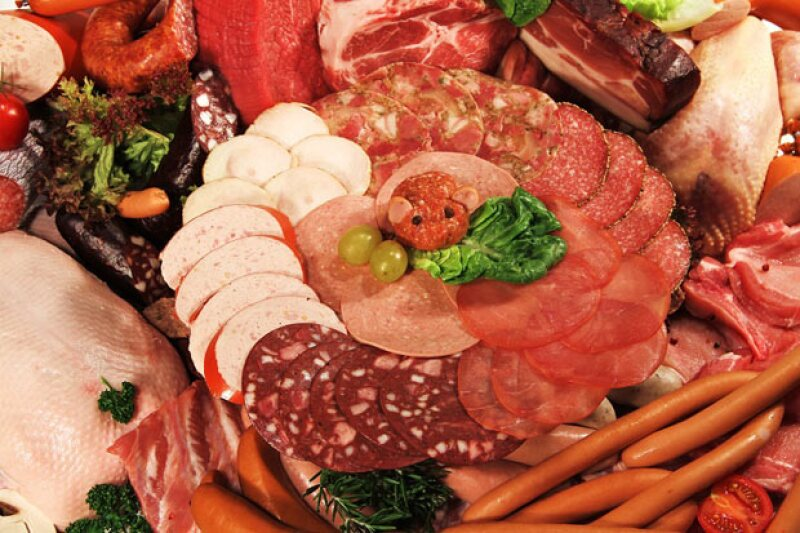 Este lunes la OMS anunció que la ingesta de salchichas, carne para hamburguesas, jamón y tocino contribuyen a padecer cáncer, mientras que la carne roja se clasifica como `probablemente cancerígena´.