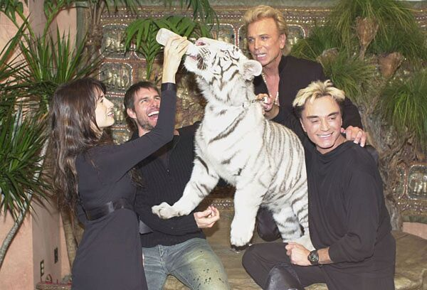 Penelope Cruz, Tom Cruise,  Siegfried Fischbacher y Roy Horn
