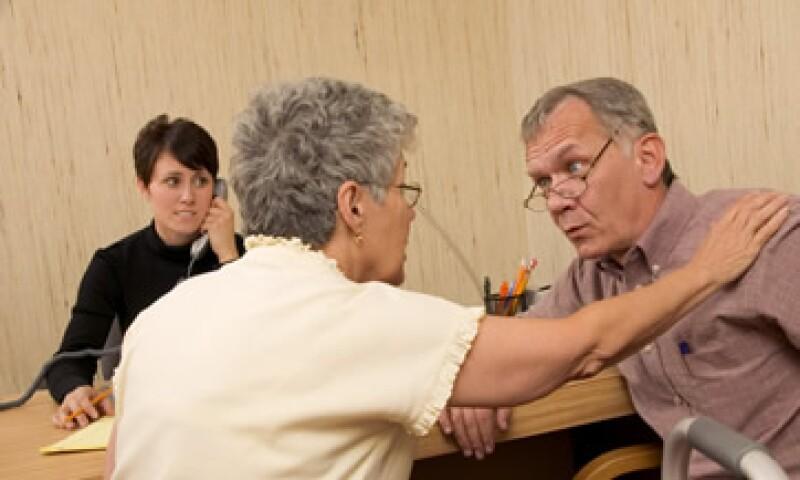 Contar con un seguro de inversión puede garantizarte una vejez digna. (Foto: Thinkstock)