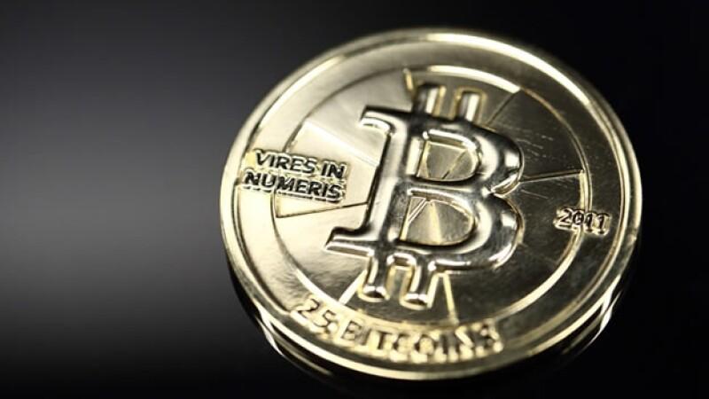 El valor máximo al que ha llegado una Bitoin es 1,200 dólares (15,824 pesos).
