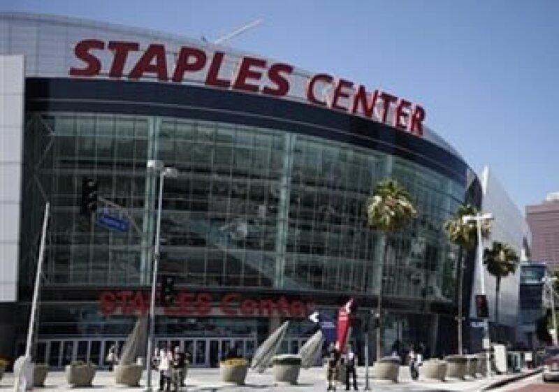 El memorial de Michael Jackson será en Staples Center en Los Angeles, California. Se esperan 100,000 asistentes el próximo 7 de julio. (Foto: AP)