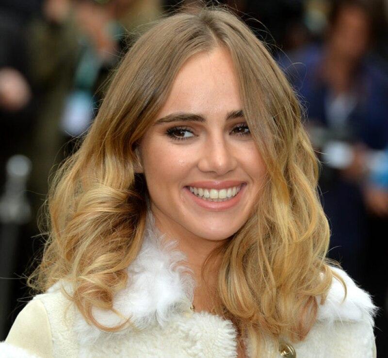 Una blogger publicó un experimento que hizo al lavar su pelo con refresco, cuyos efectos son darle más cuerpo y ondas.