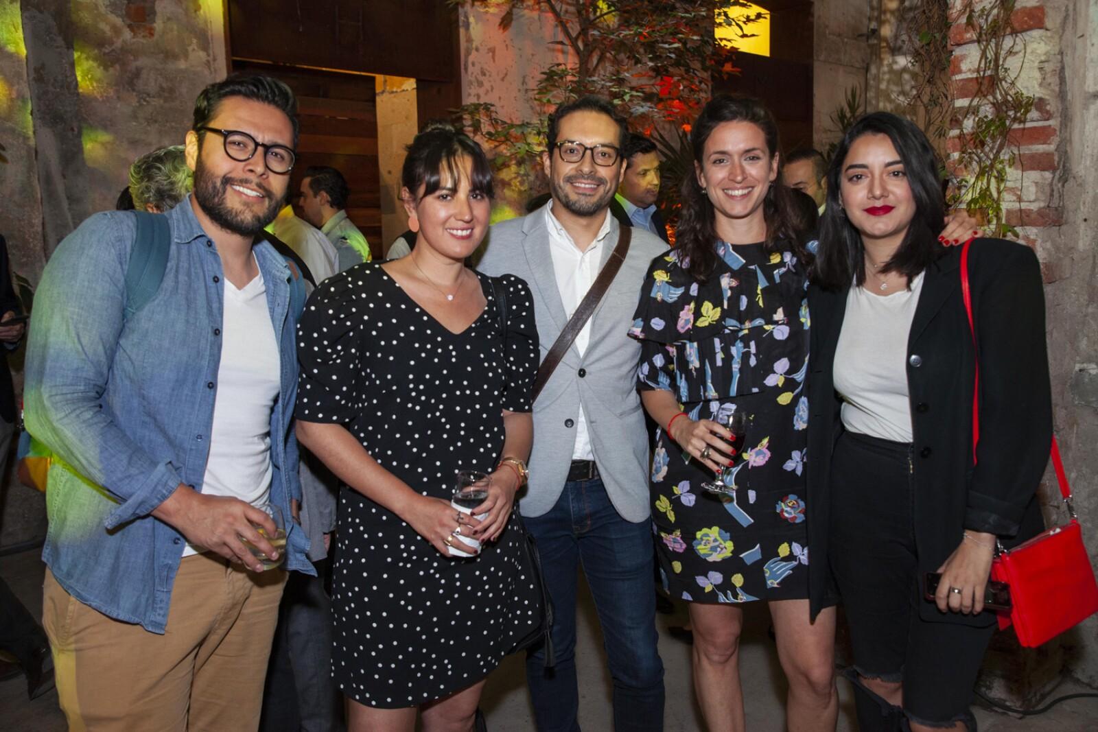 Cesar Magallanes, Estefania Araiza, Omar Cruz Garcia, Tai la bella damsky, Abigail Quesnel