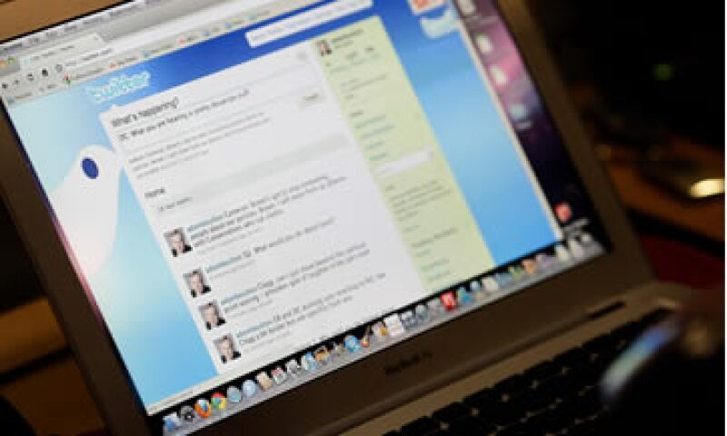 Periodistas, líderes de opinión, empresarios y políticos, cada vez más ven en Twitter una oportunidad para lograr un impacto en la sociedad, según un informe de la revista Life & Style. (Foto: AP)