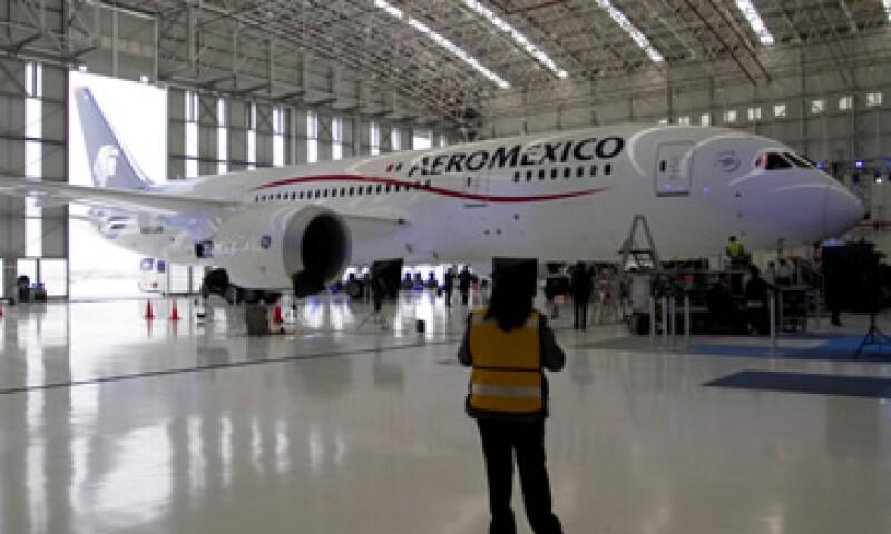 Aeroméxico argumenta que el contrato de ASSA es excesivo ante los factores financieros que enfrenta la empresa y la competencia en el mercado. (Foto: Cuartoscuro)