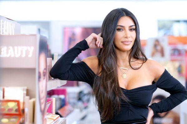 ?url=https%3A%2F%2Fcdn 3.expansion.mx%2F8c%2Ff4%2F7a680ff743949da9792be7211161%2Fgettyimages 1178072900 - Kim Kardashian habla de su supuesto romance con el novio de Kourtney