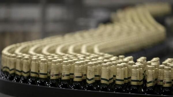 La fusión mediante la compra de SABMiller por AB InBev por 126,500 mde será, de concretarse, una de las mayores adquisiciones de la historia.