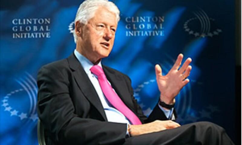 Bill Clinton aseguró que es justo que los ricos paguen más impuestos aunque indicó que esa medida no ayudaría mucho a reducir el déficit. (Foto: Cortesía Fortune)