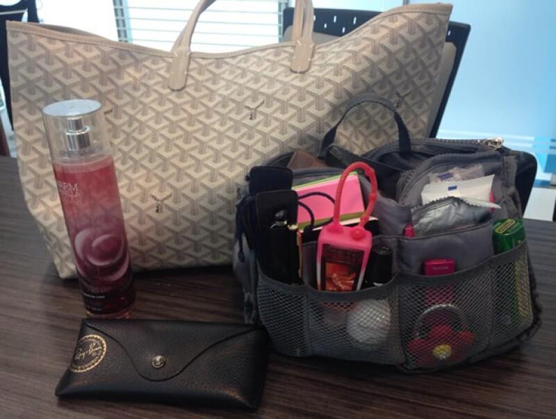 ¿Qué acostumbras traer en la bolsa? Platicamos con Caty Bueno y Lulú Andonie para conocer los objetos que llevan siempre bajo el brazo.