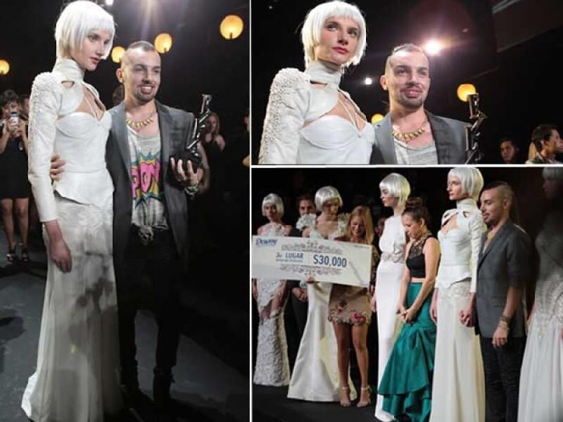El gran ganador de la noche fue Leonardo López, quien sorprendió con este diseño en piel con aplicaciones de perlas y cortes asimétricos.