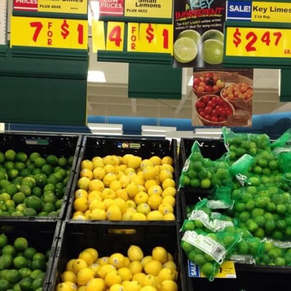 La cadena H-E-B en McAllen, Texas, vende dos libras (casi un kilo) por 2.47 dólares, mientras en México el kilo de limón alcanza hasta 6 dólares en algunas ciudades