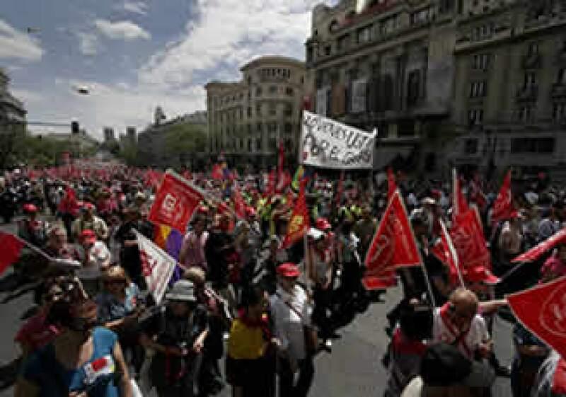 Miles acuden a la manifestación del día del Trabajo convocada por los dos sindicatos mayoritarios en México. (Foto: Notimex)