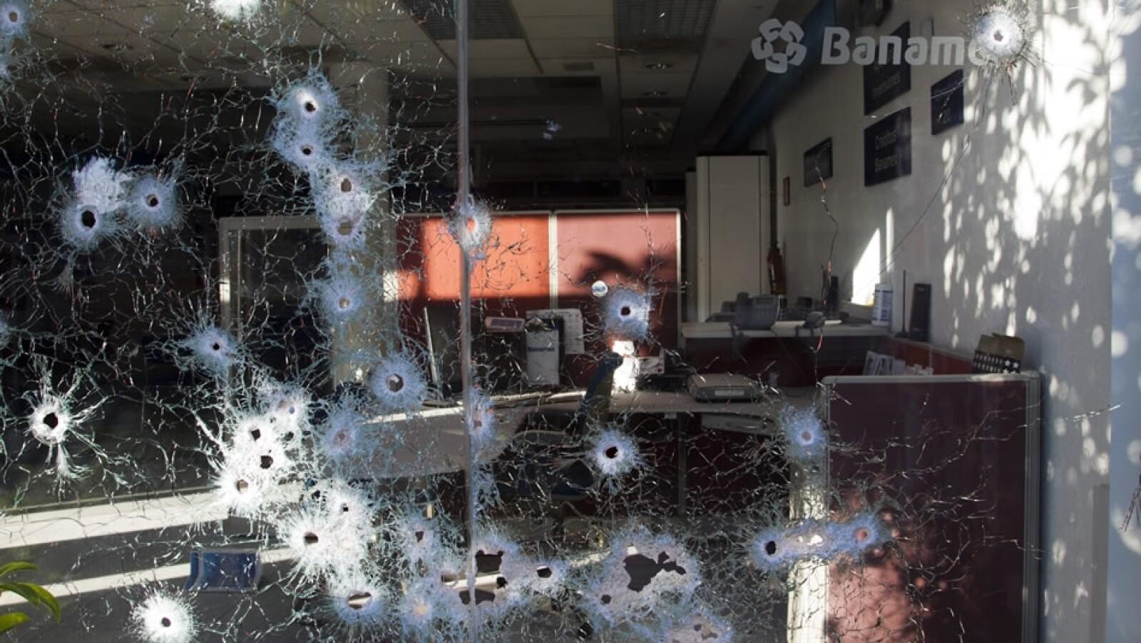 Violencia por avance de autodefensas en Michoacan