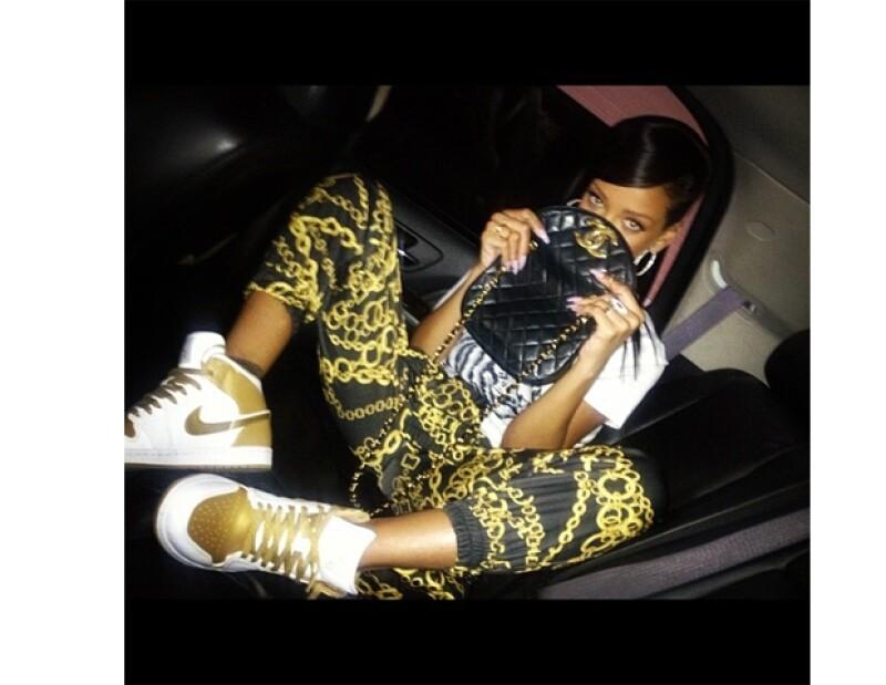 Poncho Herrera feliz con su nuevo gorro, Galilea en Las Vegas y, ¿a quién extraña Rihanna?