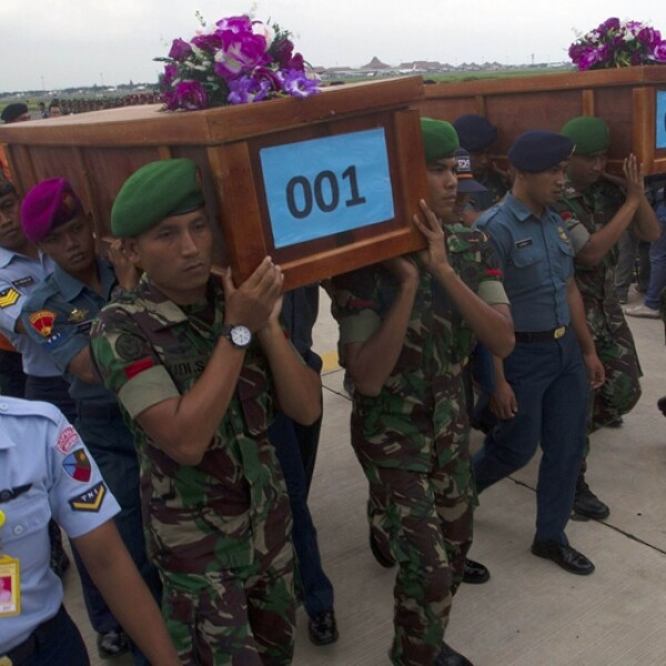 rescate cuerpos QZ8501 3