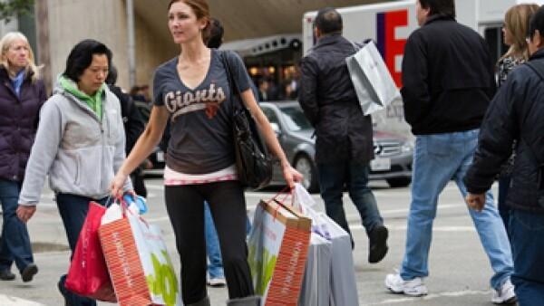 El consumidor gastó 423 dólares en promedio en el viernes negro de 2012. (Foto: Getty Images)