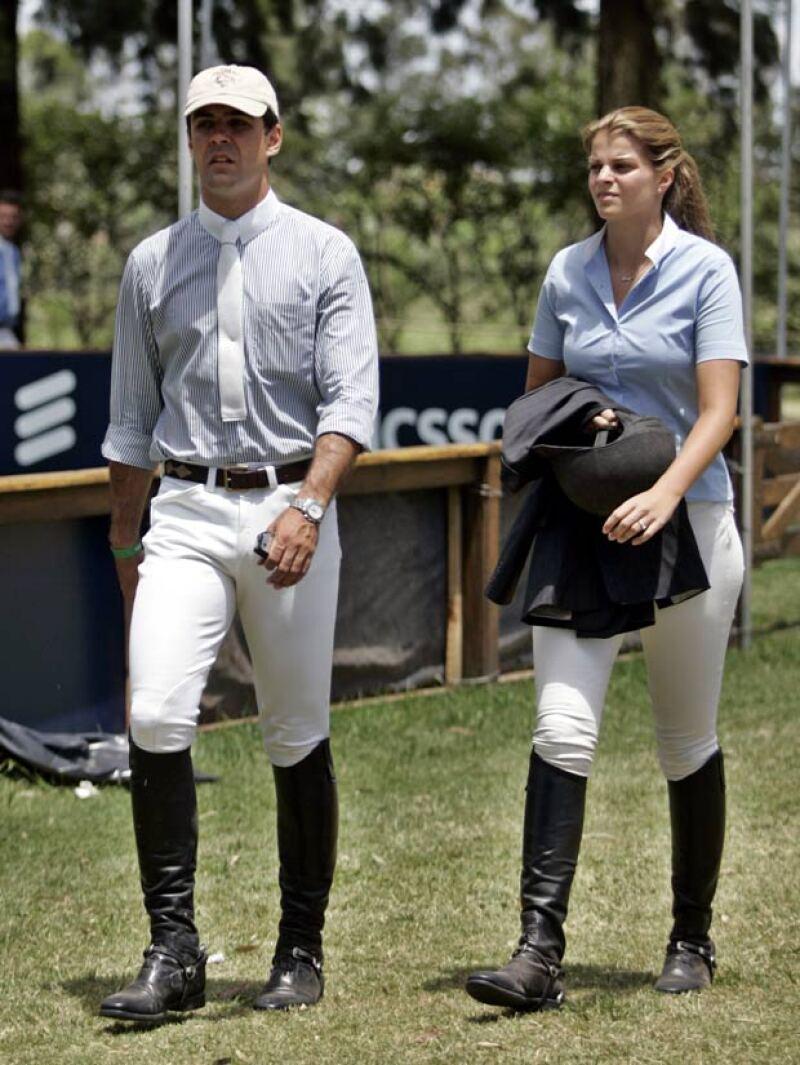 Los rumores de su separación iniciaron después de que no fueran vistos juntos en un concurso de equitación, pues ambos son amantes de los caballos.