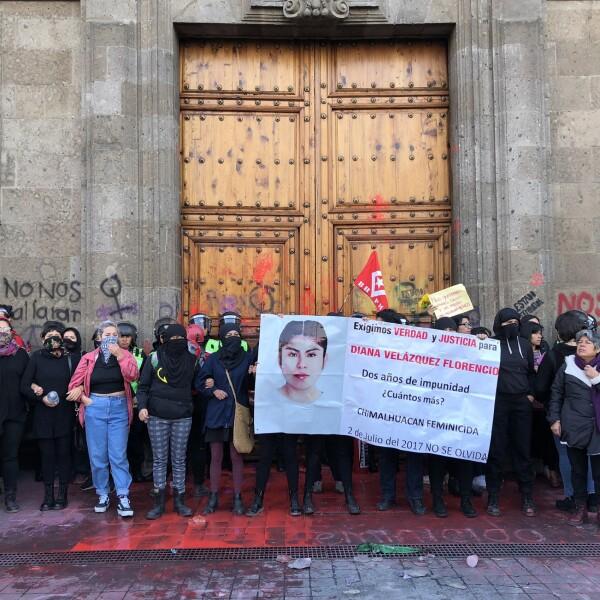 Protesta feminista en Palacio Nacional