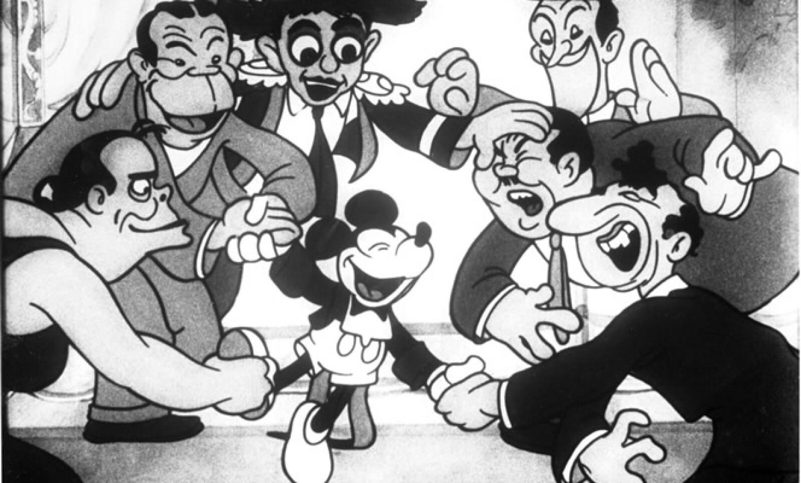 A pesar de no tener muchos clientes, en 1927 Disney crea a Mickey Mouse, su personaje más popular y memorable, el cual durante 8 años fue en blanco y negro.