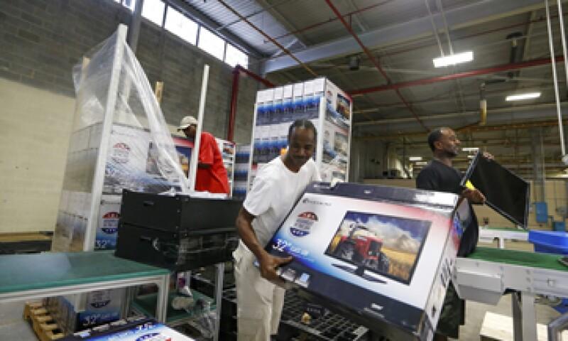 Economistas esperaban un avance de 0.4% en el gsto del consumnidor. (Foto: Reuters)