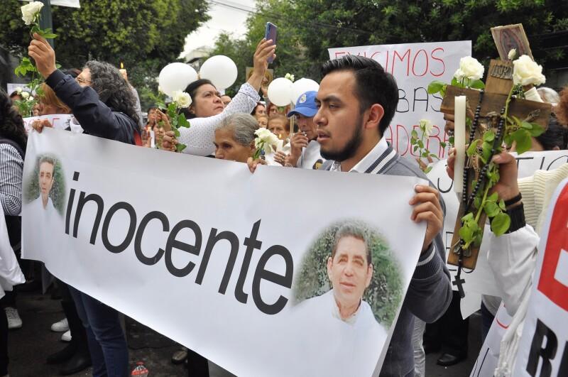 Manifestación den apoyo al padre Francisco Javier