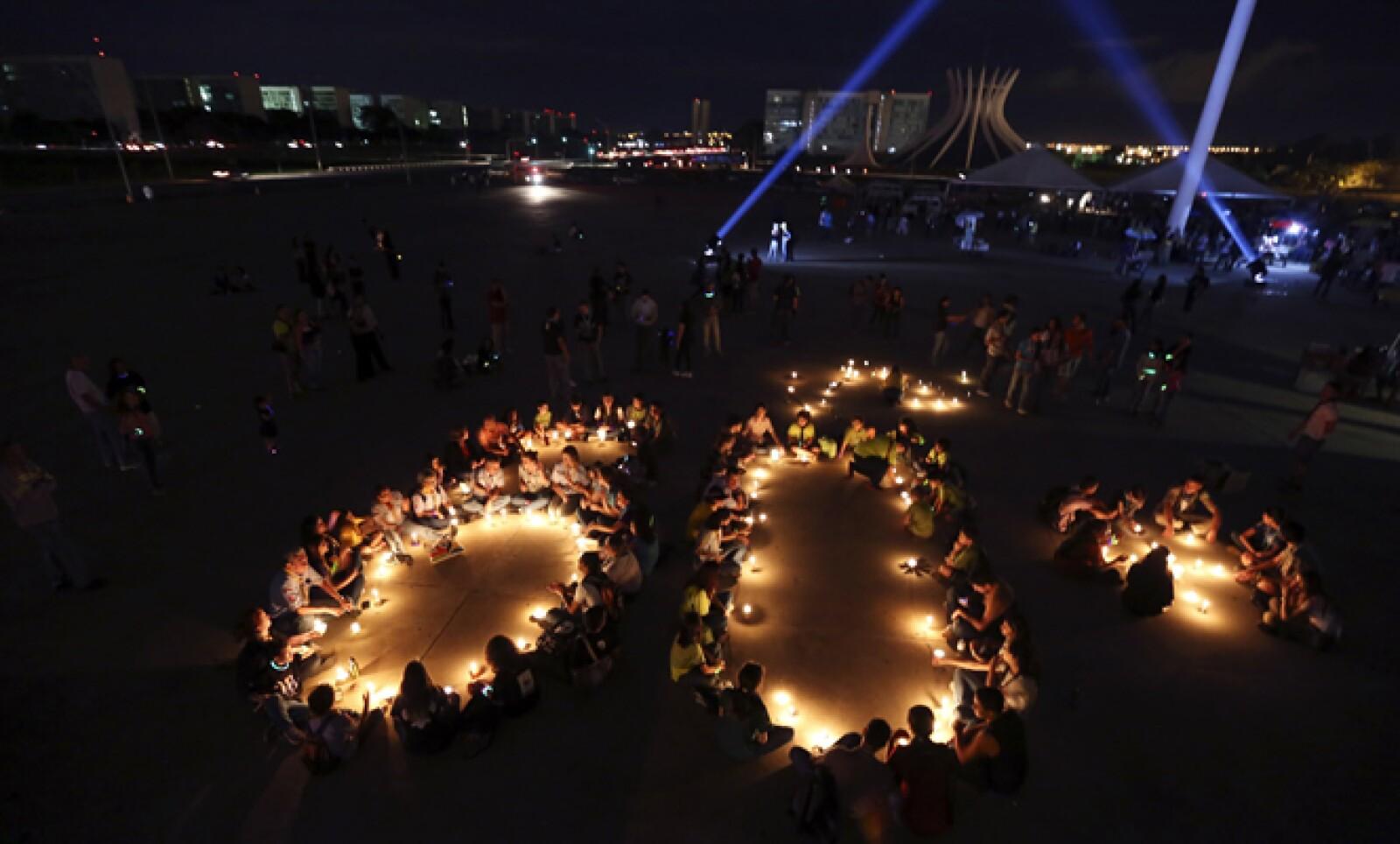 Aspecto del Museo de la Republica en Brasilia. En más de 7,000 ciudades y pueblos de todo el planeta millones de habitantes apagaron las luces de sus viviendas.