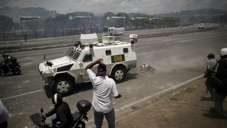 "Opposition demonstration near the Generalisimo Francisco de Miranda Airbase ""La Carlota"" in Caracas"