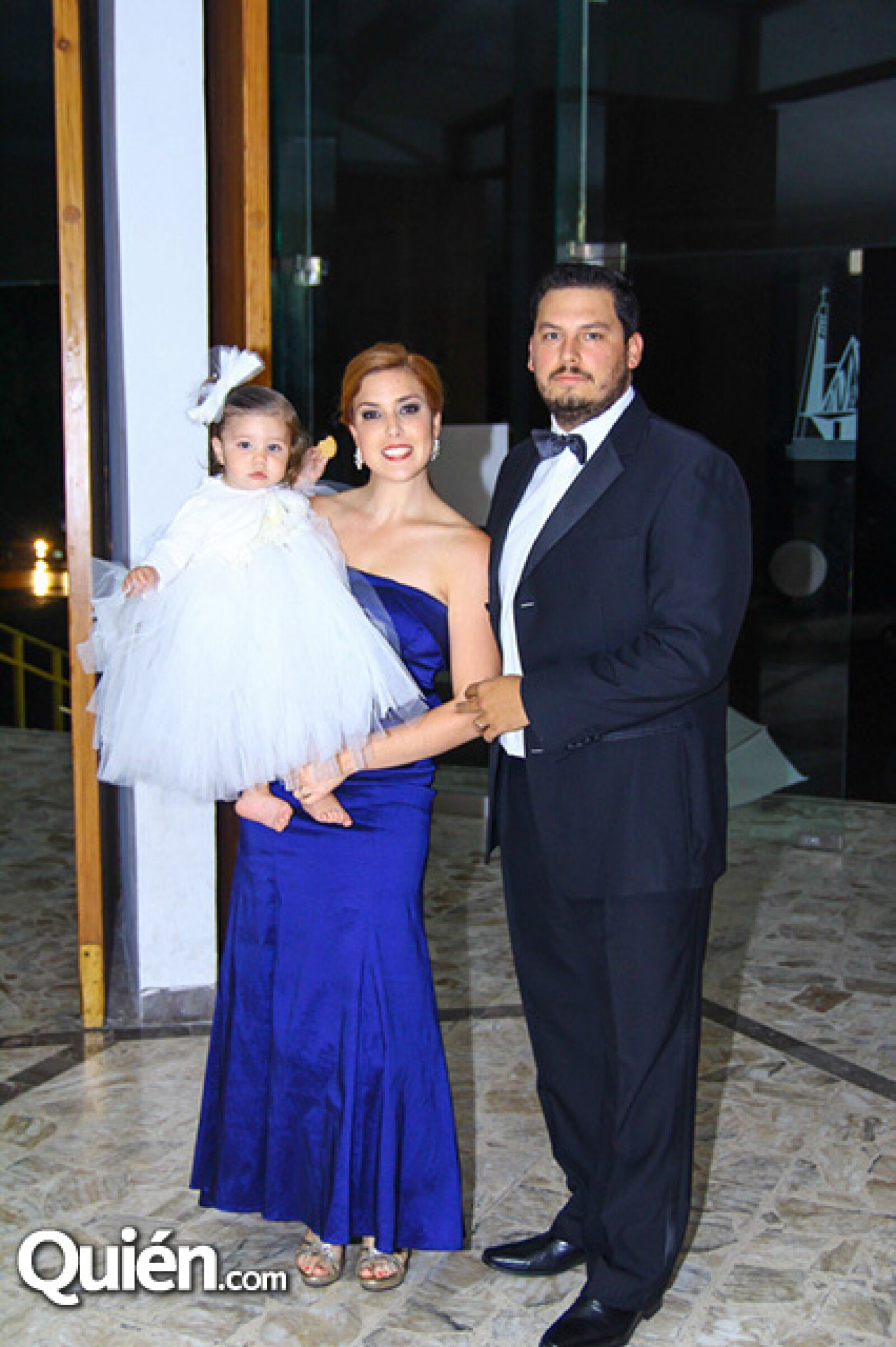 Juan Pablo Flores,Marcela Treviño de Flores y Ana Daniela Flores