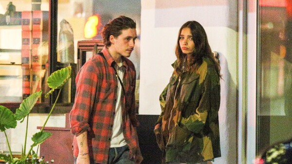 Brooklyn Beckham y Hana Cross