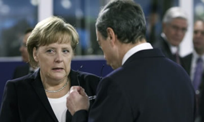 La canciller federal alemana, Angela Merkel, dijo que la zona del euro tiene una buena porción de trabajo por delante.  (Foto: Reuters)