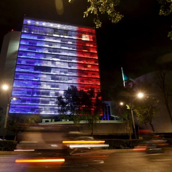 El azul y el rojo son los colores tradicionales de París, se encuentran en su escudo de armas.