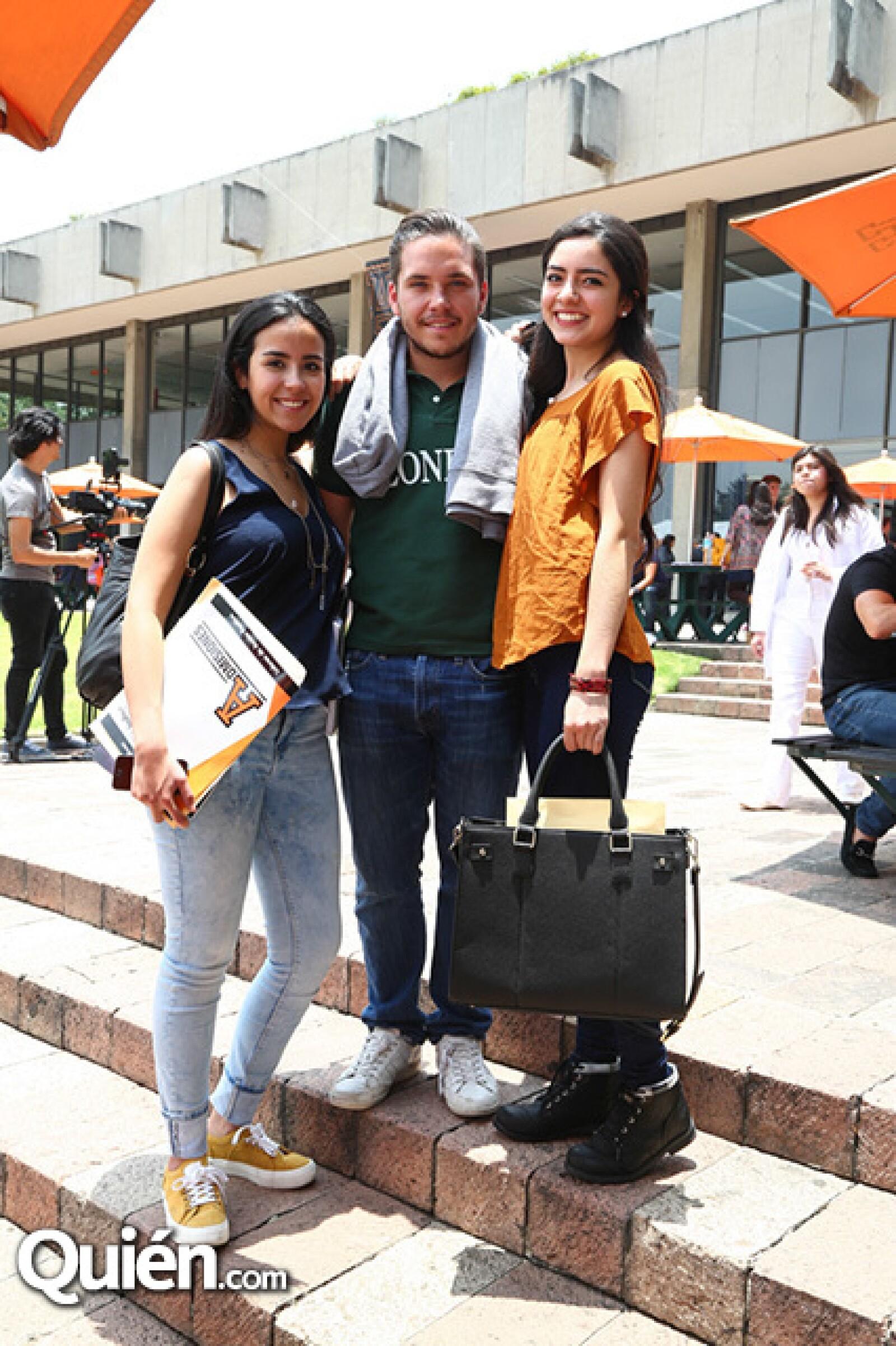 Natalia López, Ian Blanco y Daniela Gordillo