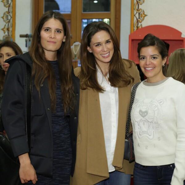 Ari Fuentes,Jacqueline Bracamontes y Gaby Tarkani