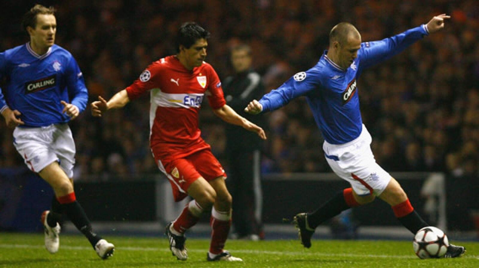 Ricardo Osorio, defensa del Sttutgart alemán, decidió apostar por Europa en 2006