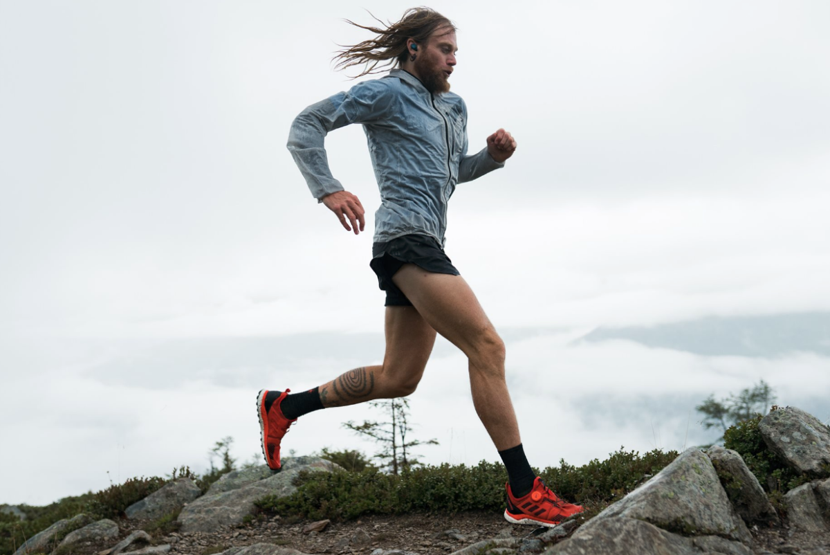 Palabra de maratonista: Los 4 mejores audífonos para correr