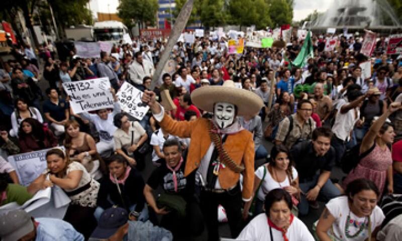 Ls marchas organizadas por el movimiento #YoSoy132 son genuinas, dicen candidatos presidenciales. (Foto: AP)