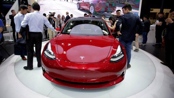 Tesla Model 3 costo Elon Musk