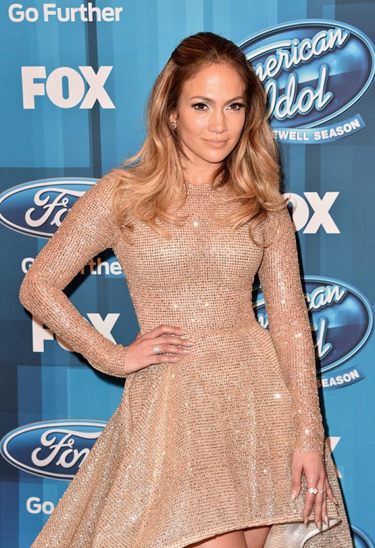 Roberto Piazza se negó a venderle una vestido a la cantante porque ella pidió hacer modificaciones al vestido, situación que no agradó al diseñador.