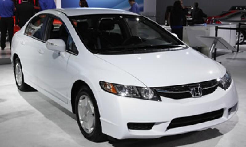 La denunciante asegura que su Honda Civic llegó a rendir sólo 12.5 kilómetros por litro. (Foto: AP)