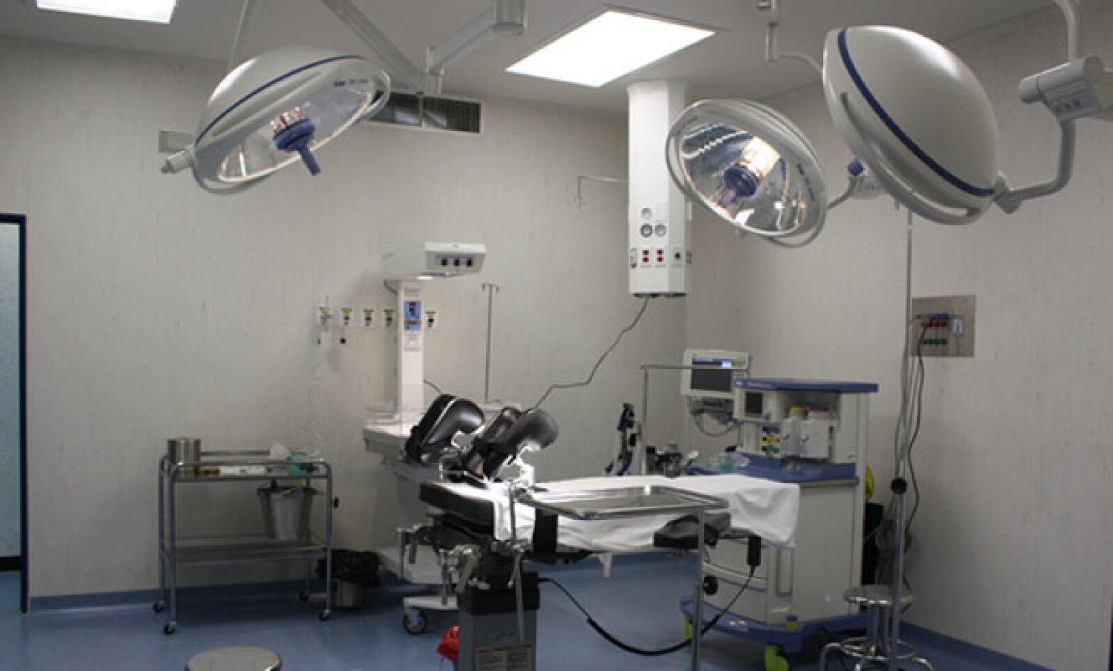 Para el equipamiento médico de alta tecnología, este nosocomio requirió de una inversión conjunta de 50 millones de pesos, entre el Gobierno de Guerrero y la Fundación Gonzalo Río Arronte.