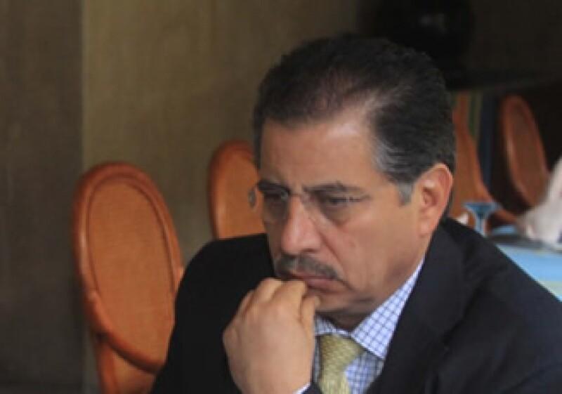 Gabino Cué, senador por Convergencia, ya contendió por el Gobierno de Oaxaca en los comicios de 2004. (Foto: Notimex)