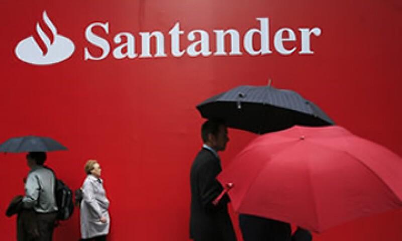 Santander dijo que sus reservas preventivas de crédito crecieron 33.7%, a 1,968 mdp en el primer trimestre del año. (Foto: Reuters)
