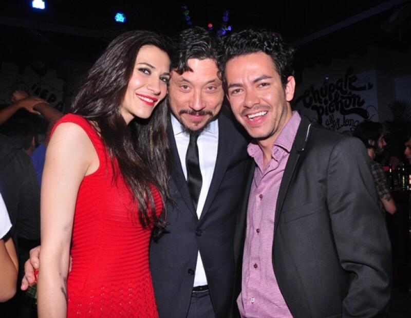 El hermano de Javier y cuñado de Penélope Cruz confesó a Quién.com, el cariño que le tiene a su sobrino; opinó que Salma Hayek se mueve muy bien.