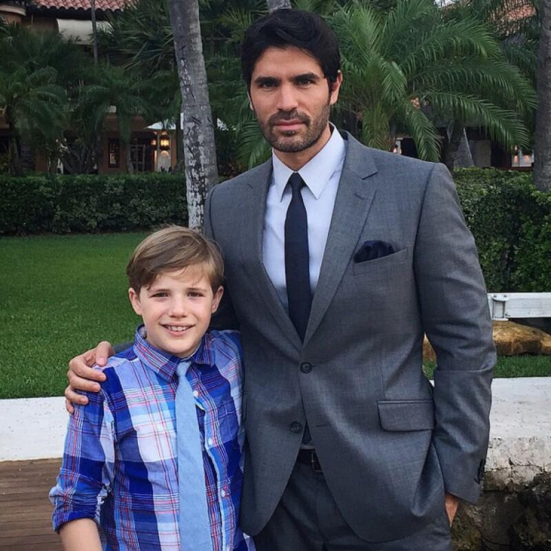 Eduardo junto al mismísimo Little Boy, el joven actor Jakob Salvati.