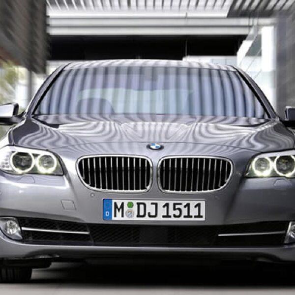 Cuenta también con el sistema EfficienDynamics ,el cual consiste en hacer el automovil para ser más amigable con el medio ambiente pero sin perder el carácter deportivo.