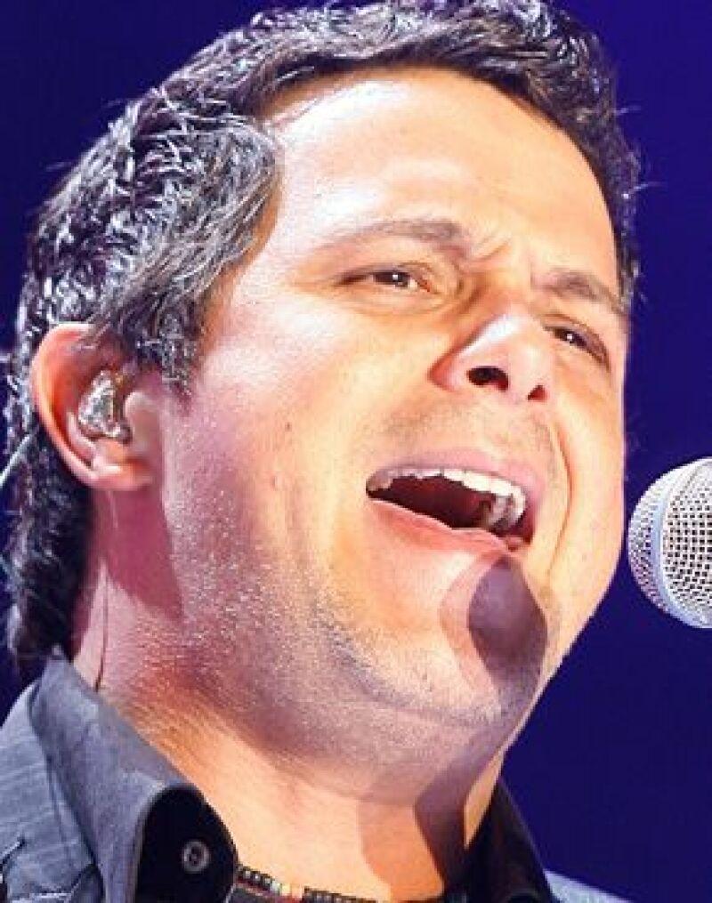 El cantante es investigado por delitos contra la Hacienda Pública y lavado de dinero.